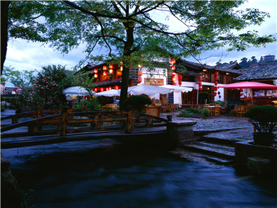 Lijiang one day tour to First Bend of the Yangtze River-Stone-Drum Town-Tiger Leaping Gorge and Lashi Sea