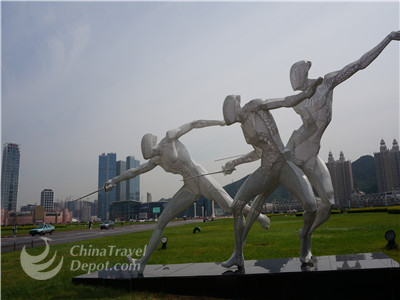City Half Day Tour to Xinghai Square and Renmin Square and Zhongshan Square
