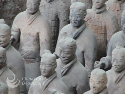Terracotta Warriors Day Tour and round-trip airport transfer